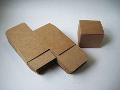 10pcs  350gram Mini Square Kraft paper Box  2.2L x von YHCSundries, $3.00 5.5cm(L) x 5.5cm(W) x 4.5cm (H)
