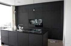 Villa Sundeck: (MELKEIN) VUODEN VANHA KOTI #blackkitchen #mustakeittiö Black Kitchens, Log Homes, Interior Inspiration, Sweet Home, Villa, Black And White, House, Interiors, Rings