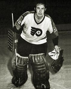 """1972 -- April 1 -- Due to the career-ending heart attack of goalie Bruce Gamble prior in the season, the Flyers' players held a """"Bruce Gamble Day"""" in order to raise money for the family of the incapacitated player. Flyers Players, Flyers Hockey, Hockey Players, Hockey Room, Women's Hockey, Hockey Games, Philadelphia Flyers, Goalie Mask, Good Old Times"""