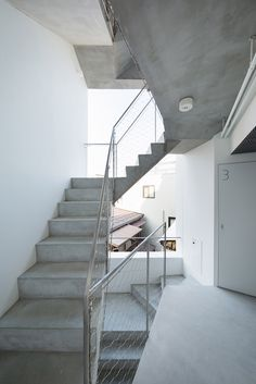 Mixed-used apartment building in Toyko built from reinforced concrete