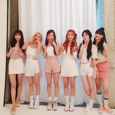 Kpop Girl Groups, Korean Girl Groups, Kpop Girls, Extended Play, Kpop Fashion, Fashion Beauty, Outfits Fiesta, Soyeon, Whatsapp Messenger