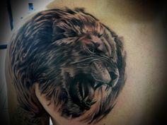 Tatuagem Masculina - Leão, ombro, peito