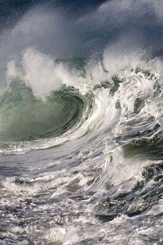 Ocean Wave - in a big storm.                                                                                                                                                                                 Mehr