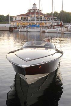 2011 27' custom by Van Dam Boats
