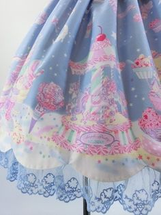 sweet lolita - Angelic Pretty...when I think of Angelic Pretty I think of Andrea Mod :) she's so kawaii beautiful...