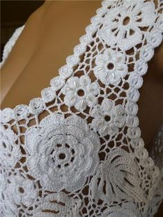 Irish lace Irish crochet flower motives, off white flower applique, Irish crochet decor, wedding dec Crochet Bolero Pattern, Irish Crochet Patterns, Crochet Lace Edging, Crochet Lace Dress, Freeform Crochet, Crochet Flowers, Crochet Top, Scarf Crochet, Crochet Wedding Dresses