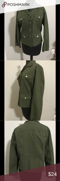 Chico's Green Button Up Jacket Green button up jacket with 4 front pockets made of 98% cotton and 2% spandex. Chico's Jackets & Coats