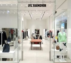 Located in Fareast Topcity Mall n°105 on Chung Kang Road, the new Jil Sander store reflects the brand'saesthetic approach: