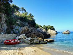 Ne-am cumpărat plajă! Și o mare de cărți poștale |  #Corfu #Island #beaches #postcard #view #liapades #trip #europe #CrisJourneys #TheRoadToSummer Corfu