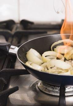 Świeżonka z kaszą i ziemniakami sposób przygotowania - Świeżonka z kaszą i ziemniakami PRZEPIS wg M. Gessler - ofeminin
