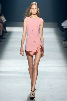Narciso Rodriguez Spring 2014 RTW - Review - Fashion Week - Runway, Fashion Shows and Collections - Vogue