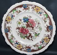 Royal Caulden porcelain. Plate StandsVintage ... & large vintage cake plate/stand green chintz with multi coloured ...