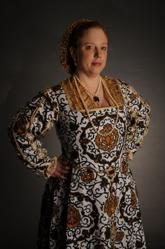 Recreation of Portrait of Eleanora di Toledo's outfit from portrait by Agnolo Bronzino c.1562