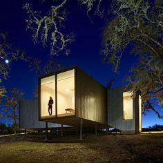 http://www.dezeen.com/2014/03/05/moose-road-house-mork-ulnes-architects-california/