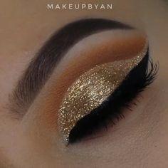Smoke Eye Makeup, Matte Eye Makeup, Golden Eye Makeup, Glitter Eye Makeup, Eye Makeup Steps, Makeup Eye Looks, Eye Makeup Art, Gold Glitter Eyeshadow, Lip Makeup