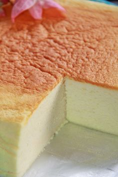 Today bake myself another japanese cotton cheesecake.keep on trying until i get to perfection. This time is. Cheesecake Recipes, Dessert Recipes, Japanese Cotton Cheesecake, Japan Dessert, Cotton Cake, Ice Cream Bites, Easy Japanese Recipes, Almond Cookies, Chinese Food