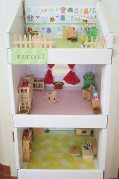 Cardboard Storage to Dollhouse – Kifli és levendula Cardboard Dollhouse, Cardboard Storage, Cardboard Display, Dollhouse Toys, Cardboard Art, Dollhouse Furniture, Cool Diy Projects, Projects For Kids, Diy For Kids