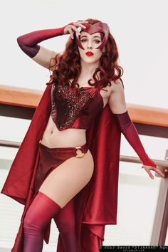 Wanda Maximoff (aka Scarlet Witch) #cosplay at C2E2 2017, PC: DTJAAAAM Cosplay Outfits, Cosplay Girls, Cosplay Costumes, Halloween Costumes, Cosplay Ideas, Scarlet Witch Comic, Scarlet Witch Cosplay, Superhero Cosplay, Marvel Cosplay
