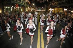 Gamecock cheerleaders and marching band at the Outback Bowl New Year's Eve Parade