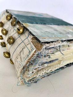 Journal Covers, Art Journal Pages, Junk Journal, Journal Ideas, Bullet Journal, Handmade Journals, Handmade Books, Handmade Art, How To Dye Fabric