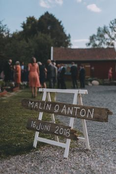 lantligt bröllop+ceremoni Garden Party Wedding, Forest Wedding, Green Wedding, Wedding Motifs, Let's Get Married, Marry Me, Wedding Details, Wedding Ceremony, Wedding Planning