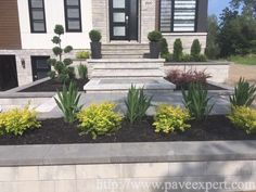 Front Porch Stairs, Front House Landscaping, House Gate Design, Modern Garden Design, House Landscape, House Front, Curb Appeal, Facade, Entrance