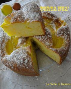 Ricetta con foto passo passo della Torta Nua con e senza Bimby. Una morbida torta arricchita con una crema pasticcera. Soffice e cremosa.