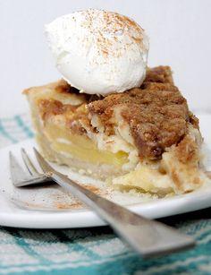 פיית העוגיות: פאי תפוחים בשמנת ובפירורים