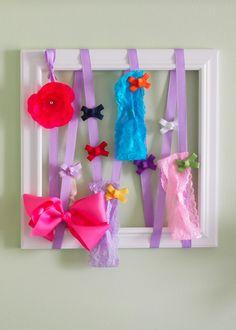 #diy bow organizer! via {laurenchelcie.com}
