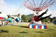 yoyo ride! hmm a carnival themed wedding...how fun!!!