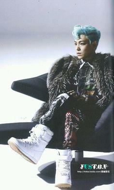 BigBang TOP Still Alive sitting pretty like a pimp!