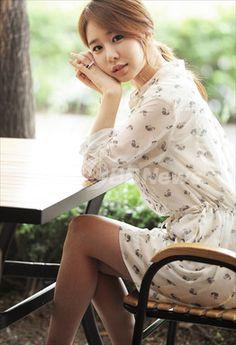 韓国ドラマ「最高だ、イ・スンシン」のユ・インナ、ポートレート撮影の様子 写真10枚 国際ニュース:AFPBB News