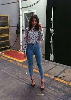 Bruna Marquezine mostrou em sua página no Instagram o look que escolheu para a gravação do programa ... - Divulgação
