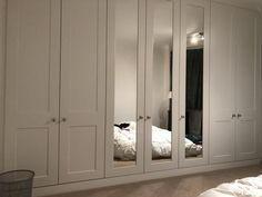 These stunning fitted Wardrobes are part of our Rockingham range. Featuring the central mirrored doors it really makes the room feel spacious and the high ceilings offer plenty of storage in these bespoke fitted Wardrobes. Mirrored Wardrobe Doors, Bedroom Built In Wardrobe, Bedroom Built Ins, Bedroom Closet Doors, Bedroom Closet Design, Home Decor Bedroom, Interior Design Living Room, Wardrobe With Mirror, Fitted Wardrobe Doors