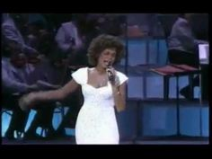 Whitney Houston - One Moment In Time (Grammy Awards Live) Z Music, Listening To Music, Sing To Me, Me Me Me Song, Whitney Houston Live, Albert Hammond, Track Team, Vocal Coach, February 22