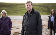 BBC One has commissioned a third series of crime drama Shetland from ITV Studios! Douglas Henshall will once again star as DI Jimmy Perez in the series, which is adapted from Ann Cleeves's Shetland crime novels. Douglas Henshall, Drama Channel, Tv Detectives, English Movies, Tv Reviews, Bbc One, Old Shows, Book Tv, Tv Actors