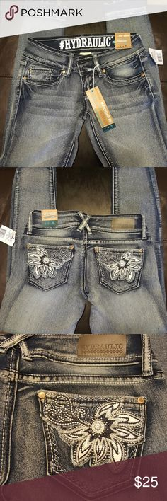 Super Skinny Hydraulic Low Rise Jeans NWT Bailey  Size 1/2 cute unraveling of the hems Hydraulic Jeans