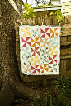 I am learning how to sew and I really want to work my way up to making a quilt.  I love this one!