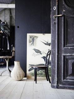 Vintage grijs. Voor meer interieur inspiratie kijk ook eens op http://www.wonenonline.nl/interieur-inrichten/