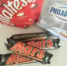 Mars Bar and Malteser Cheesecake - Create Bake Make Chocolate Ripple Biscuits, Mars Bar Slice, Mars Chocolate, Make Birthday Cake, What Recipe, Types Of Cakes, Taste Buds, Chocolate Recipes, Eat Cake
