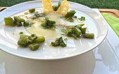 Una vellutata con le nuove verdure primaverili per un pieno di vitamine! #ricette #cibo #verdure #primavera
