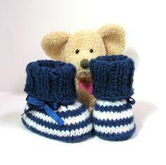 """Chaussons bébé """"marin"""" bleu marine et blancs 0/3 mois Tricotmuse : Mode Bébé par tricotmuse"""