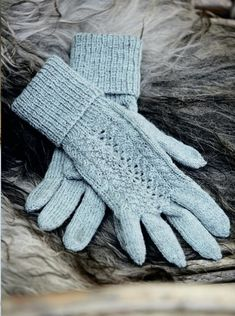 Красивые вязаные перчатки 0 Hand Warmers, Mittens, Gloves, Sewing, Knitting, Hats, Women, Fashion, Crocheting
