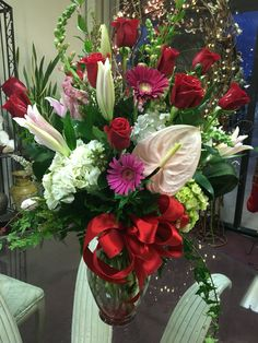 Anniversary floral arrangements