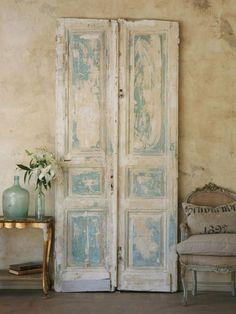 french furniture Salvaged Doors - French Shabby Chic Style Decorating - via Belle Escape Shabby Chic Français, Shabby French Chic, Shabby Vintage, Shabby Chic Furniture, Painted Furniture, French Furniture, Rustic French, Furniture Ideas, French Country