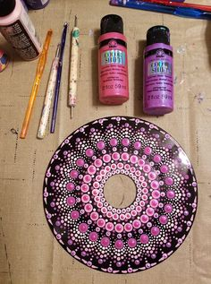 Mammals painted vinyl records for decorative wall artThis record is just getting better and better! I am sick as a dog today, so you're lucky I spared you the audio of this time lapse, which…Dot mandala on recordDot painting on an old record albu Dot Art Painting, Mandala Painting, Stone Painting, Cd Art, Record Art, Mandala Rocks, Stone Art, Mandala Design, Painted Rocks