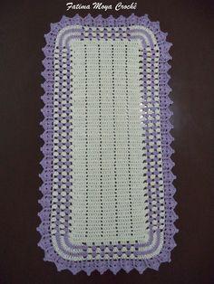 Passadeira Harmonia no Elo7 | Fátima Moya Crochê (7A52C9) Crochet Table Mat, Crochet Tablecloth, Pigtail Hairstyles, Farmhouse Rugs, Braid Out, Cool Braids, Crochet Projects, Diy And Crafts, Knitting