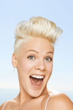 Pink on how she reconciled with husband Carey Hart after their 2008 separation. Alicia Moore, Beth Moore, Pop Punk, Carey Hart, Idole, Everything Pink, Female Singers, Hair Today, Pretty People
