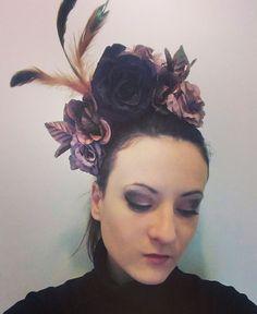 """Coiffe """"Romance"""" 35€ Je crée également des coiffes sur mesures. Retrouvez moi sur Facebook https://www.facebook.com/bulledelise/?ref=bookmarks ou sur mon site internet www.labulledelise04.com I send in the world! :)"""