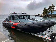 Deck Boat, Boat Dock, Kayak Fishing, Fishing Boats, Fishing Chair, Diesel Duck, Cuddy Cabin Boat, Float Life, Ski Nautique